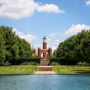 Image of a fountain on OU HSC campus